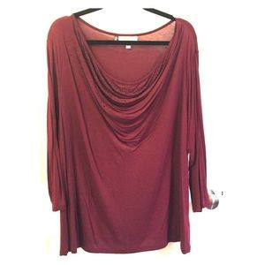 Subtle bling wine colored 3/4 sleeve blouse
